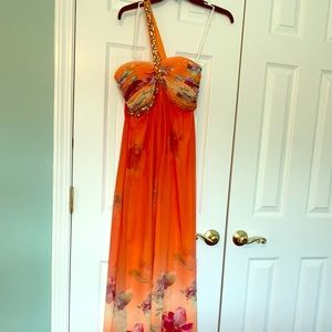 Prom dress. Xscape by Joanna Chen